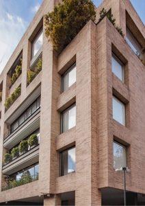 Elegante edificio de apartamentos en Bogota